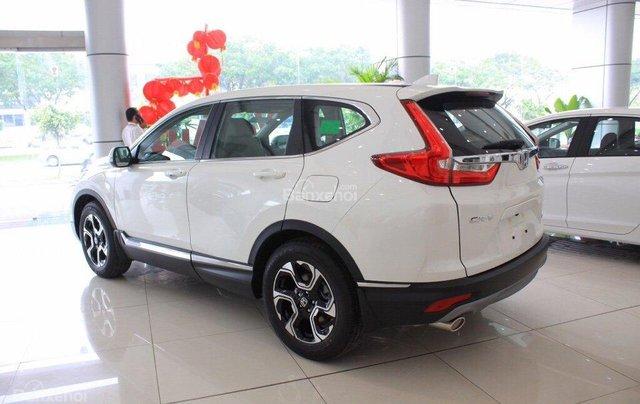 Giao liền tay Honda CR V 1.5E màu trắng với chỉ 270 triệu. CAM KẾT GIÁ TỐT NHẤT khi liên hệ 0933.683.0563