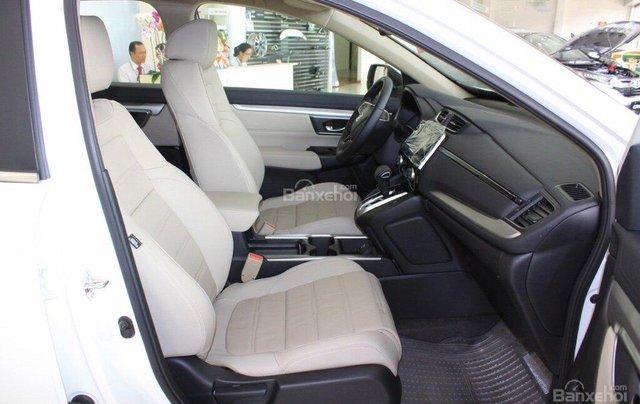 Giao liền tay Honda CR V 1.5E màu trắng với chỉ 270 triệu. CAM KẾT GIÁ TỐT NHẤT khi liên hệ 0933.683.0568