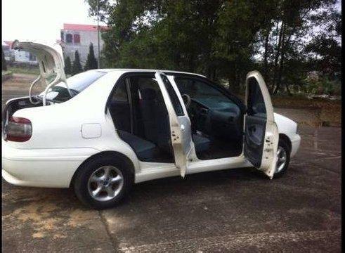 Cần bán lại xe Fiat Siena sản xuất 2003, màu trắng 4