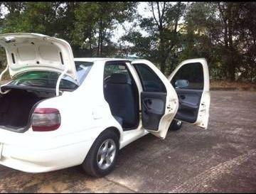 Cần bán lại xe Fiat Siena sản xuất 2003, màu trắng 2