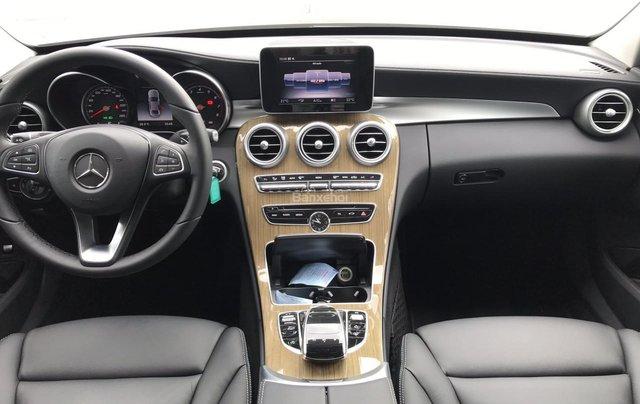 Bán Mercedes C250 năm sản xuất 2017, màu đen như mới5