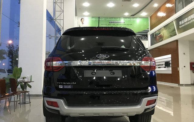 Bán Ford Everest Titanium 4x2 2019, lh 09347991192