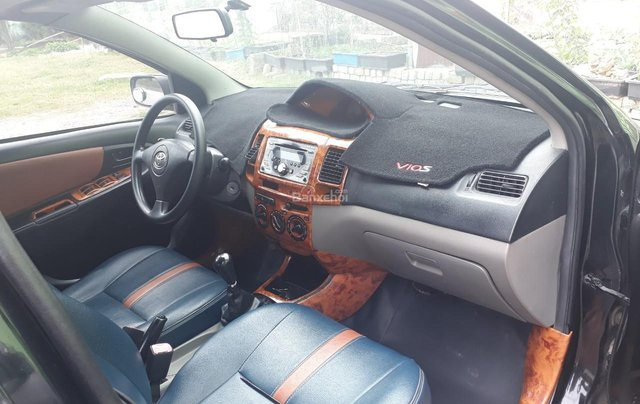 Bán Toyota Vios 2006 màu đen, Sedan, 5 chỗ, giá rẻ6