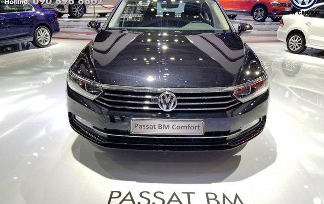 Volkswagen Sài Gòn cần bán chiếc xe Volkswagen Passat Comfort năm 2018, màu xanh lam - Giá tốt nhất thị trường 1