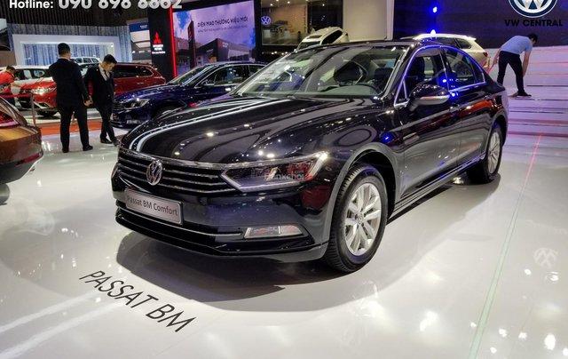 Volkswagen Passat Bluemotion Comfort - Tặng 100% phí trước bạ, hỗ trợ trả góp 80%, hotline: 090-898-88626