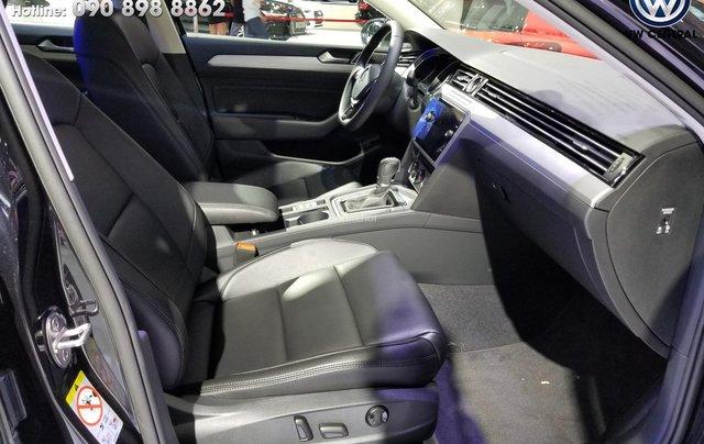 Volkswagen Sài Gòn cần bán chiếc xe Volkswagen Passat Comfort năm 2018, màu xanh lam - Giá tốt nhất thị trường 9