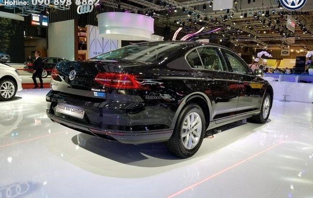 Volkswagen Passat Bluemotion Comfort - Tặng 100% phí trước bạ, hỗ trợ trả góp 80%, hotline: 090-898-886215