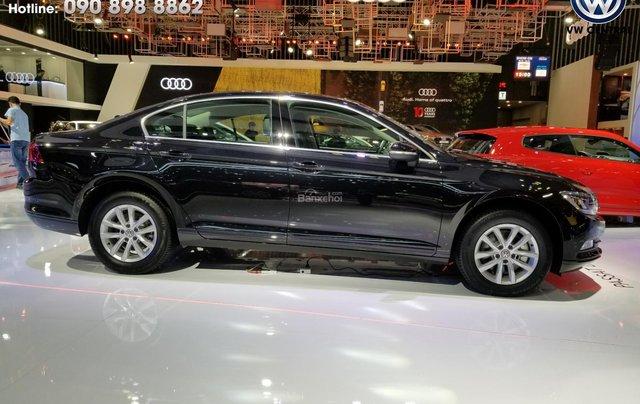 Volkswagen Passat Bluemotion Comfort - Tặng 100% phí trước bạ, hỗ trợ trả góp 80%, hotline: 090-898-886217