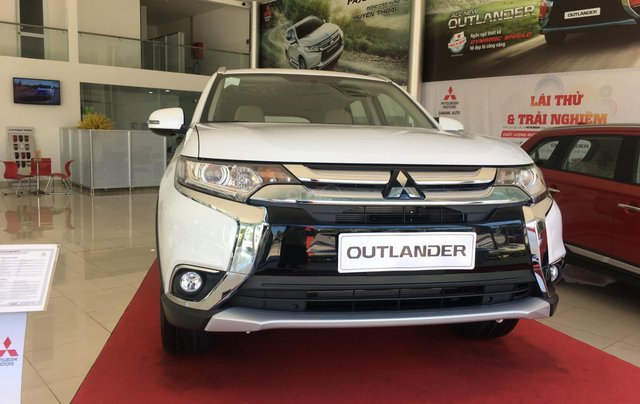 Mitsubishi Outlander giao ngay, góp 80% tại Đà Nẵng - LH 09319114441