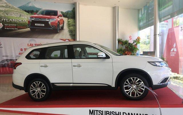 Mitsubishi Outlander giao ngay, góp 80% tại Đà Nẵng - LH 09319114442