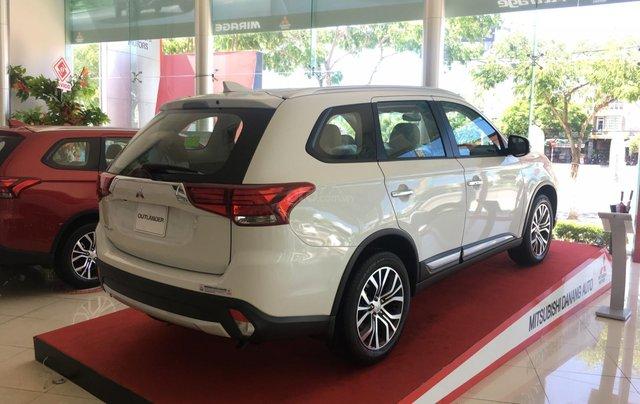 Mitsubishi Outlander giao ngay, góp 80% tại Đà Nẵng - LH 09319114443