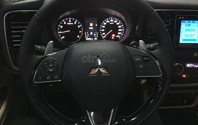 Mitsubishi Outlander giao ngay, góp 80% tại Đà Nẵng - LH 09319114444
