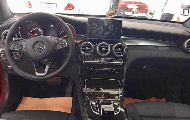 Bán xe Mercedes GLC200 mới màu đỏ, nội thất đen ở Phan Rang, Ninh Thuận, giao ngay tận nơi7