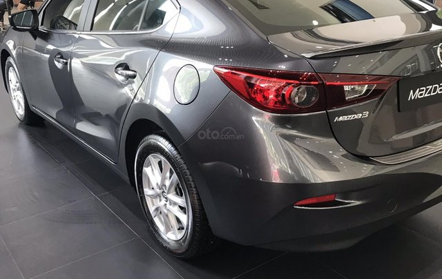 Mazda 3 1.5, màu xám lông chuột 46G, có xe giao ngay tại Mazda Bình Triệu1