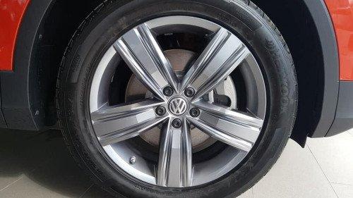 Bán nhanh chiếc Volkswagen Tiguan 2.0 TSI AT đời 2018, giá thấp7