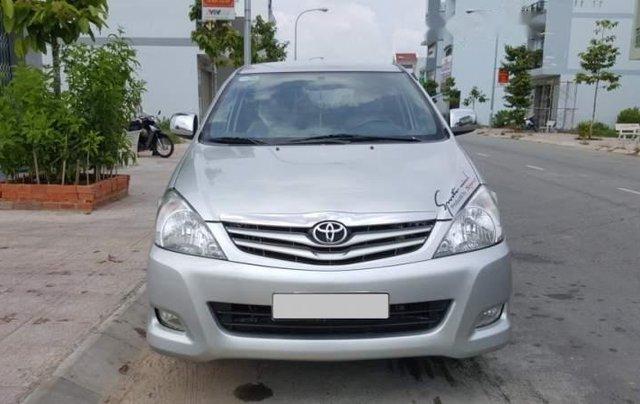 Cần bán gấp Toyota Innova sản xuất năm 2010, màu bạc, nhập khẩu còn mới, giá tốt0