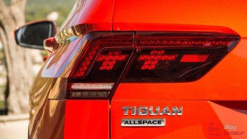 Bán nhanh chiếc Volkswagen Tiguan 2.0 TSI AT đời 2018, giá thấp4