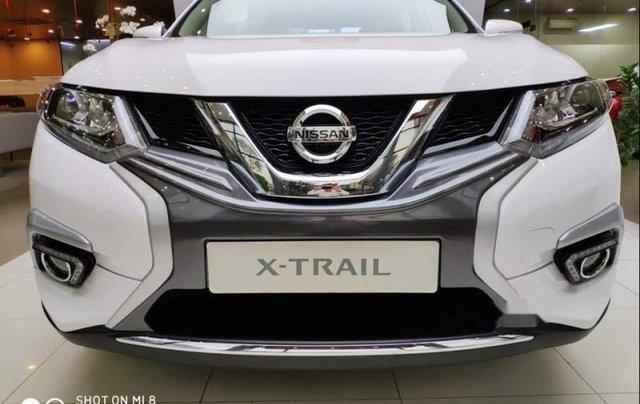 Cần bán xe Nissan X trail đời 2018, màu trắng, giảm giá kịch sàn2