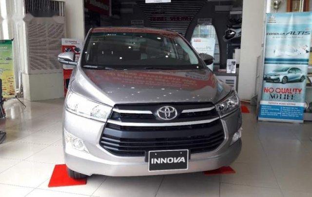 Bán ô tô Toyota Innova năm 2019, màu xám, số sàn0