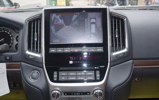Bán ô tô Toyota Land Cruiser VX R 4.6 AT đời 2017, màu đen, xe nhập Trung Đông mới 100%, LH em Hương11