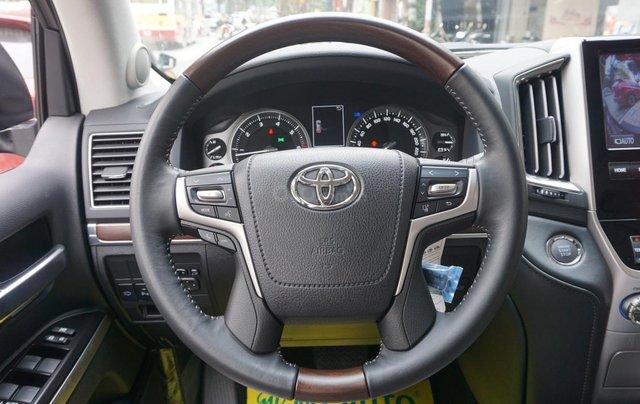 Bán ô tô Toyota Land Cruiser VX R 4.6 AT đời 2017, màu đen, xe nhập Trung Đông mới 100%, LH em Hương12