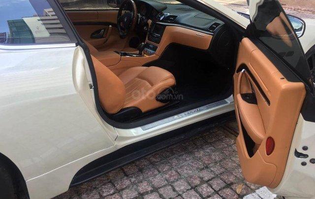 Bán xe Maserati Granturismo đời 2009, màu trắng, xe đẹp4