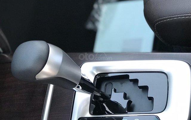 Fortuner 2.4 G máy dầu, số tự động còn rất ít xe, LH Lộc 0942.456.838 để nhận xe sớm và hưởng nhiều ưu đãi nhất5