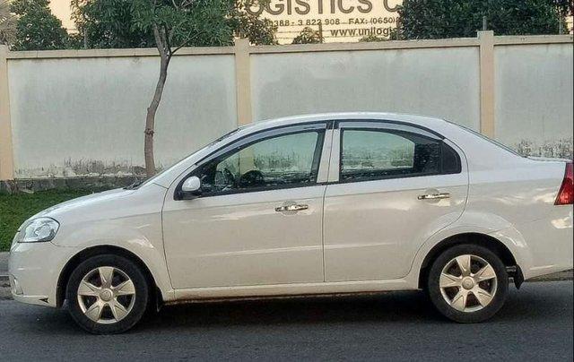 Cần bán lại xe Daewoo Gentra sản xuất 2010, màu trắng, xe nhập còn mới0
