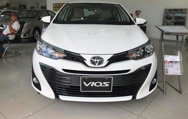 Bán Toyota Vios đời 2019, màu trắng, giá tốt0
