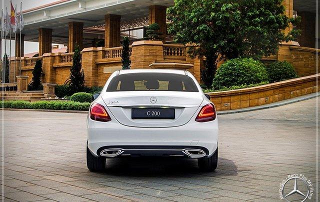 Mercedes Benz C200 new - Khuyến mãi khủng trong tháng 8 - Hỗ trợ 100% phí trước bạ - LH: 0919 528 5203
