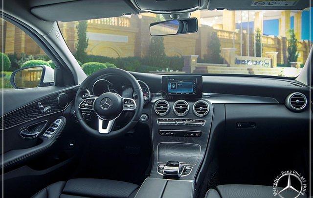 Mercedes Benz C200 new - Khuyến mãi khủng trong tháng 8 - Hỗ trợ 100% phí trước bạ - LH: 0919 528 5204