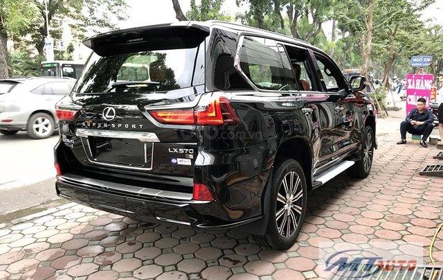 Bán xe Lexus LX570 - 4 chỗ SX 2018, màu đen độ MBS Trung Đông23