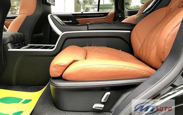 Bán xe Lexus LX570 - 4 chỗ SX 2018, màu đen độ MBS Trung Đông3
