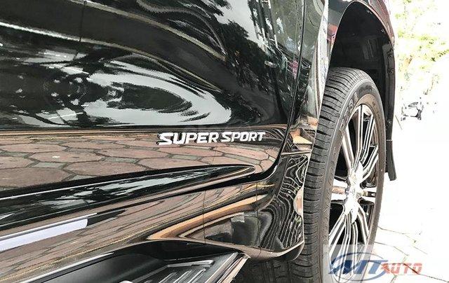 Bán xe Lexus LX570 - 4 chỗ SX 2018, màu đen độ MBS Trung Đông5