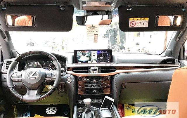 Bán xe Lexus LX570 - 4 chỗ SX 2018, màu đen độ MBS Trung Đông8