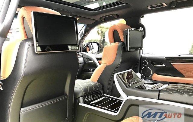 Bán xe Lexus LX570 - 4 chỗ SX 2018, màu đen độ MBS Trung Đông10