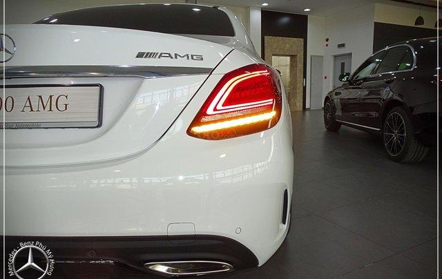Cơ hội để sỡ hữu xe Mercedes-Benz C300 AMG 2020 với giá bán tốt nhất ngay thời điểm này7