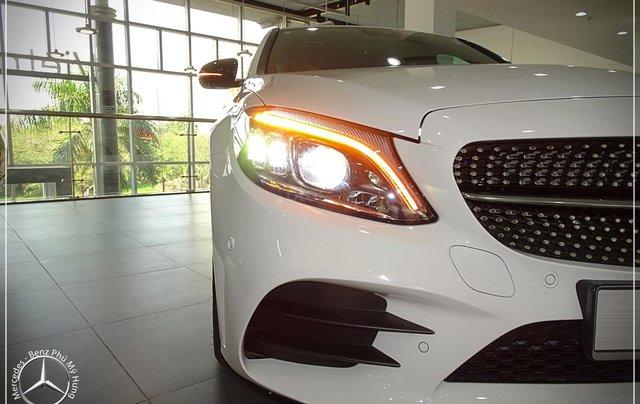 Cơ hội để sỡ hữu xe Mercedes-Benz C300 AMG 2020 với giá bán tốt nhất ngay thời điểm này4
