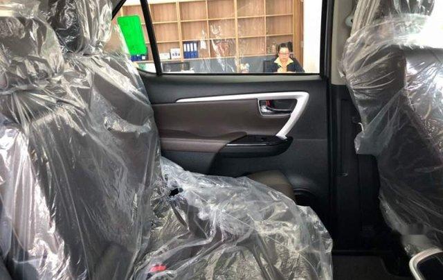 Bán Toyota Fortuner 2.4G 2019, màu bạc, nhập khẩu  2