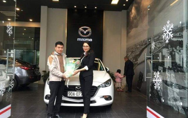 Cần bán xe Mazda 3 1.5AT đời 2019, màu trắng5