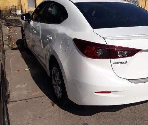 Cần bán xe Mazda 3 1.5AT đời 2019, màu trắng4