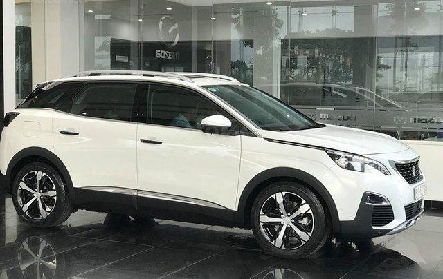 Cần bán xe Peugeot 3008 đời 2019 giao ngay không kèm bia lạc5