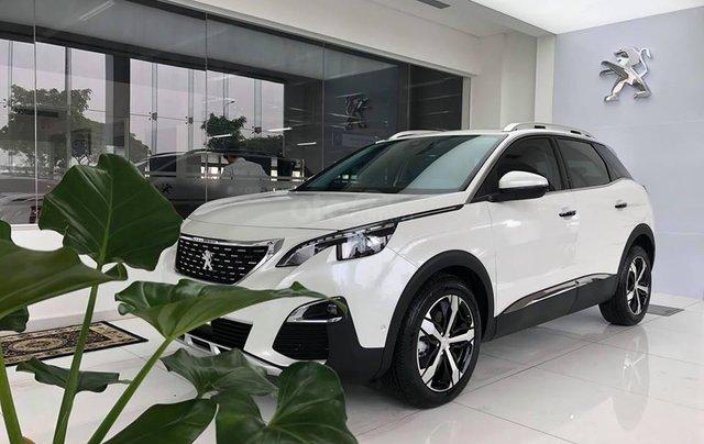 Cần bán xe Peugeot 3008 đời 2019 giao ngay không kèm bia lạc1