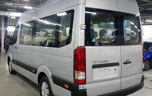 Bán ô tô Hyundai Solati 2018, màu bạc, có giao ngay. LH: 09716262384