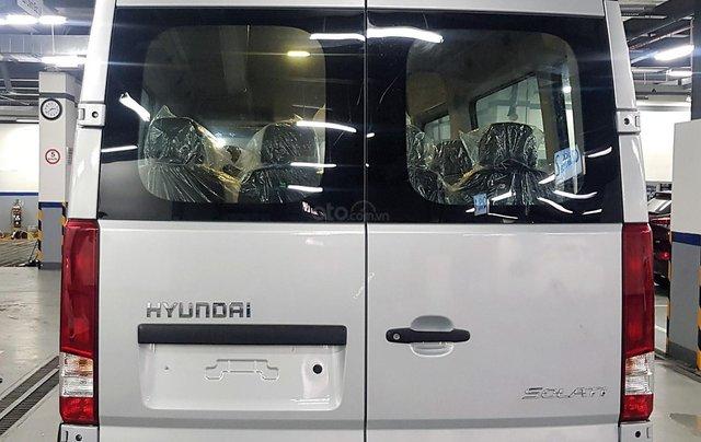 Bán ô tô Hyundai Solati 2018, màu bạc, có giao ngay. LH: 09716262385
