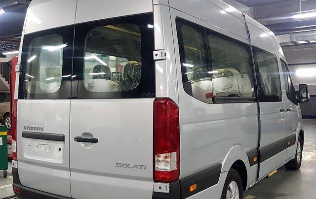 Bán ô tô Hyundai Solati 2018, màu bạc, có giao ngay. LH: 09716262386