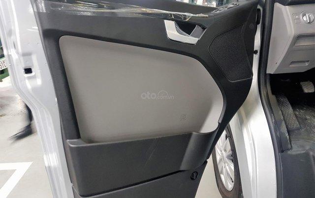 Bán ô tô Hyundai Solati 2018, màu bạc, có giao ngay. LH: 09716262389