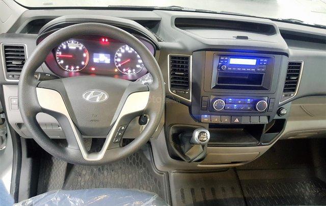 Bán ô tô Hyundai Solati 2018, màu bạc, có giao ngay. LH: 097162623812