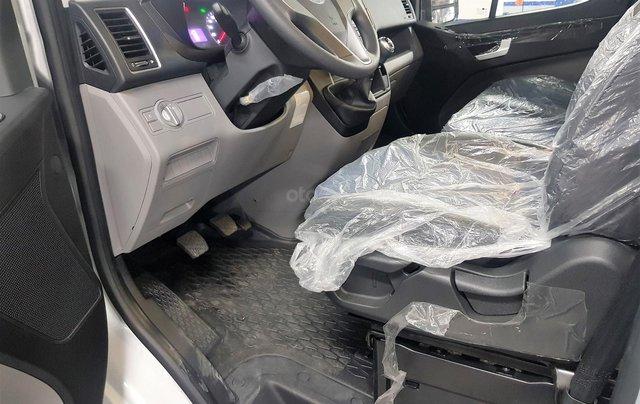 Bán ô tô Hyundai Solati 2018, màu bạc, có giao ngay. LH: 097162623813