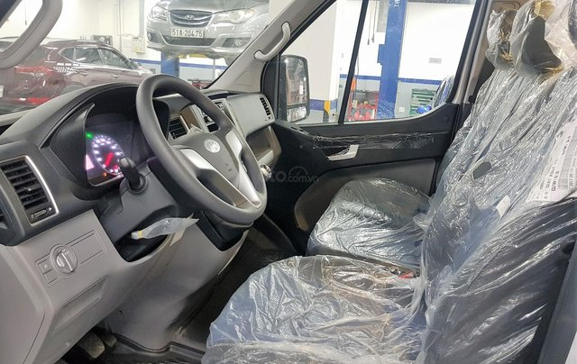 Bán ô tô Hyundai Solati 2018, màu bạc, có giao ngay. LH: 097162623814